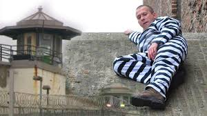 بالفيديو.. أكثر 5 محاولات جنونية للهروب من السجون - المواطن