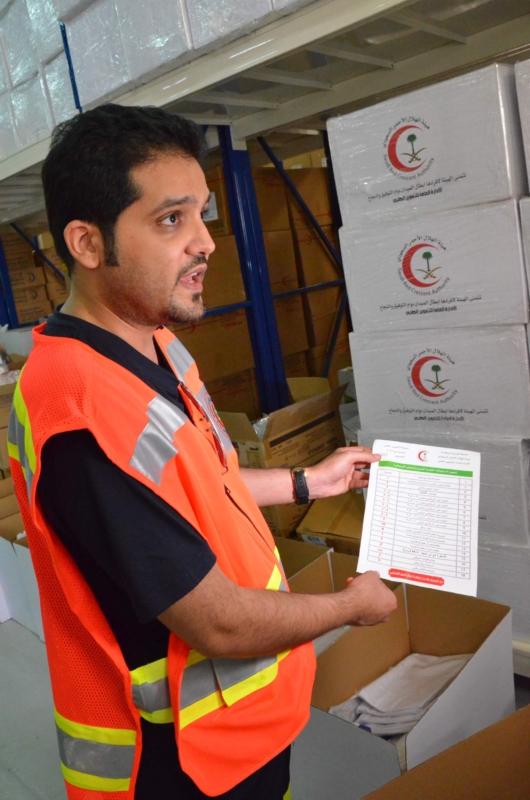 الهلال الأحمر يؤمن ١٢ مليون قطعة مستهلكات طبية لسيارات الإسعاف بنظام الصناديق الجديد (2)