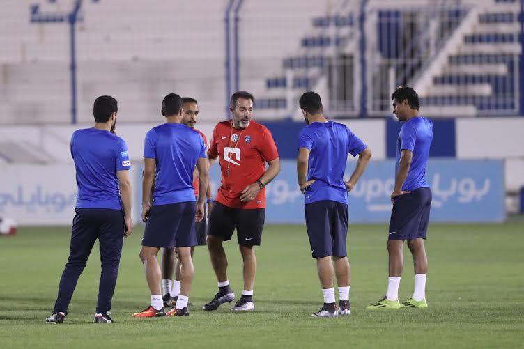 الهلال يواصل تدريباته بمشاركة هوساوي وحضور رئيس النادي (1) 