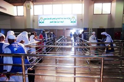 صور من ميناء جدة الإسلامي.. اليحيى يُشرف مباشرة على مغادرة الحجاج