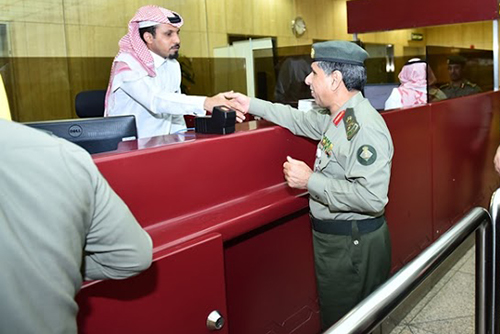 اليحي-يتفقد-جوازات-الشرقية (2)