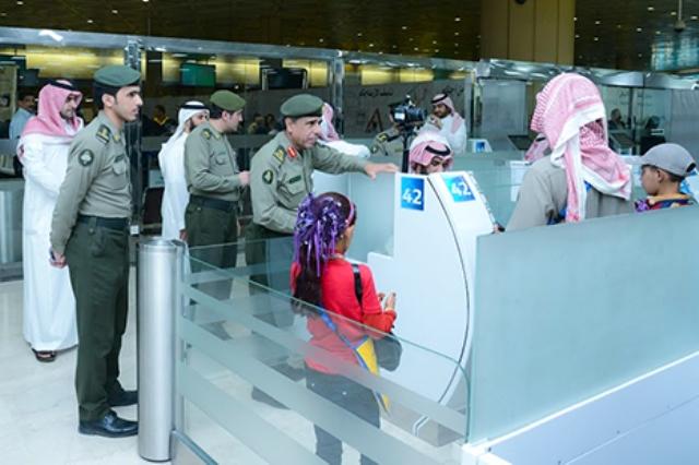 اليحي-يتفقد-مطار-الملك-خالد (2)