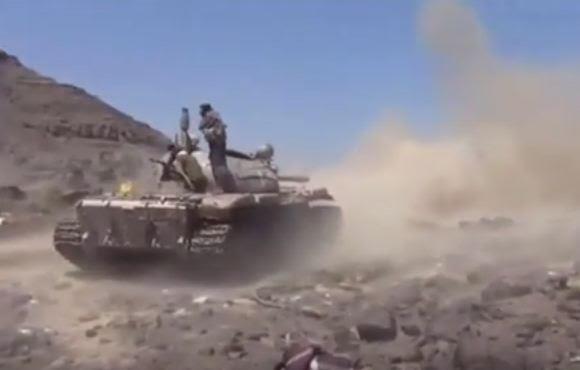 بالفيديو.. طائرات التحالف تدمر معظم ترسانة ميليشيات الحوثي بتعز
