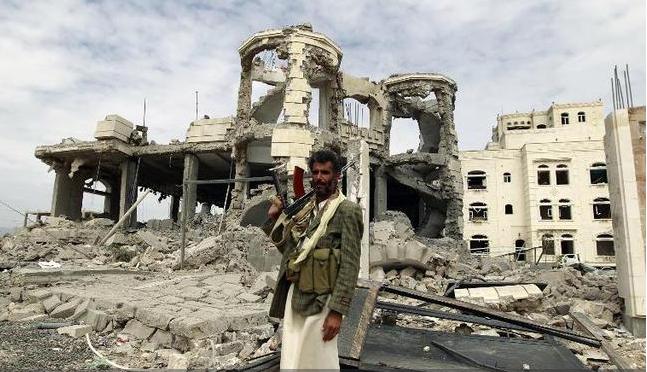 اليمن.. قتلى وجرحى بتفجير انتحاري في مدينة المكلا