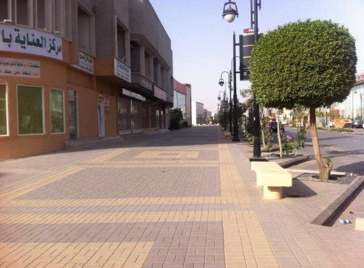 امانة الرياض تزيل لوحات اعلانية مخالفة (1)