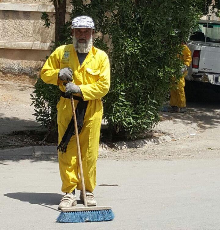امانة الرياض تكنس اتربة ومخلفات المطر (7)