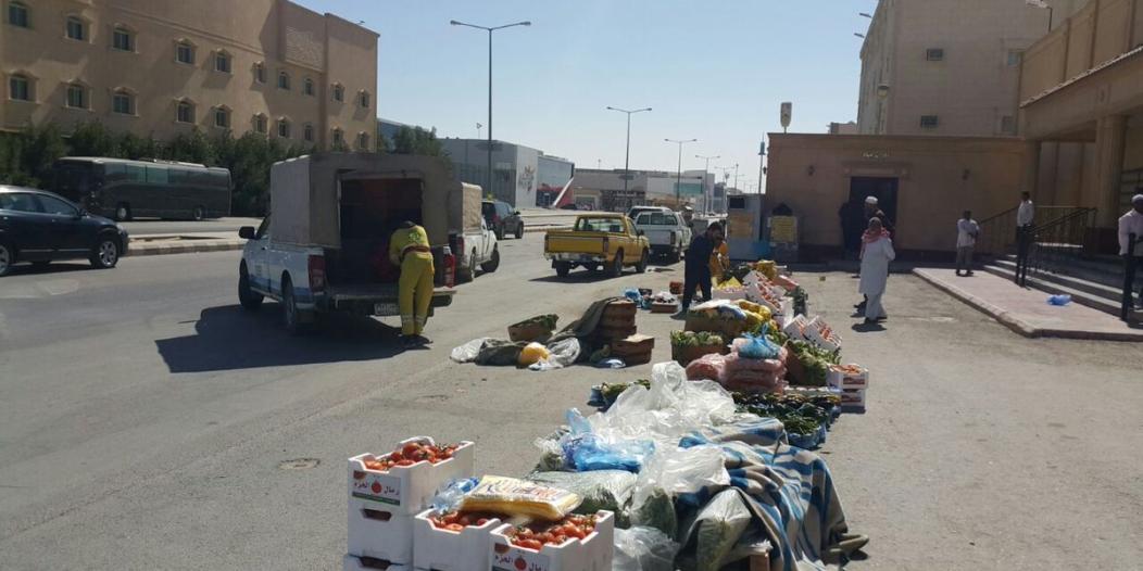بالصور.. أمانة الرياض تغلق 268 منشأة وتضبط أكثر من 130 عاملاً مخالفًا
