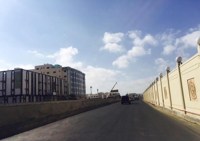 امانة الطائف تفتح مسار واحد بجسر الامير منصور (4)