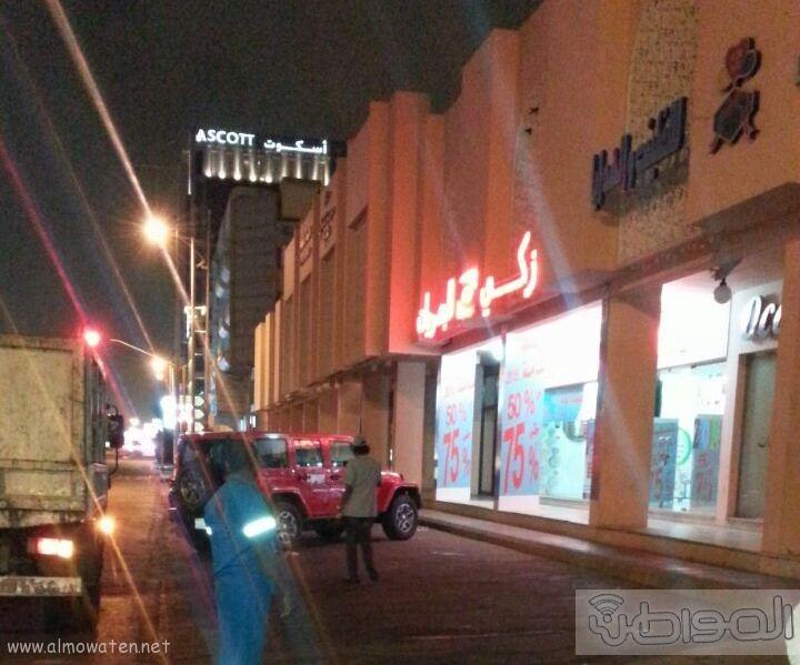 امانة جدة تزيل استيلاء صاحب محل على شارع (4)