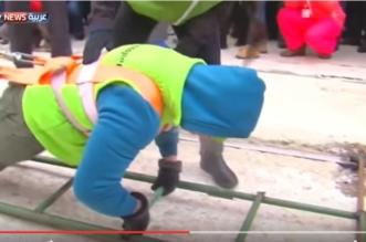 بالفيديو.. امرأة حديدية تسحب شاحنة تزن 36 طناً - المواطن