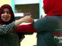 أمريكية مسلمة تعطي دروسا في فنون الدفاع عن النفس للشابات المسلمات
