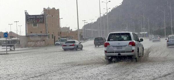 أمطار الطائف الرعدية توقف بث محطات الراديو - المواطن
