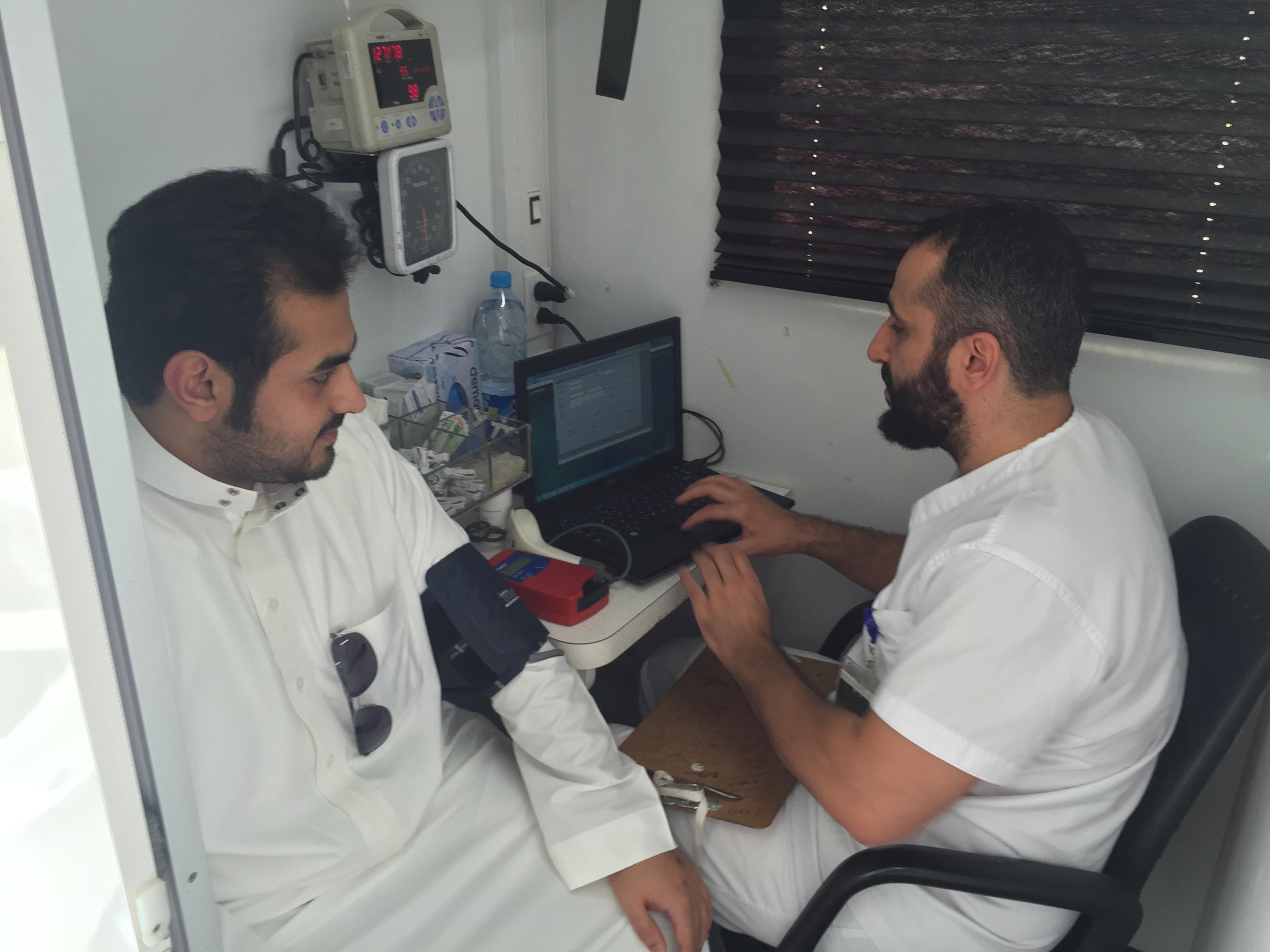 امنح حياة بقطرة من دمك تستقبل جموع المتبرعين في عمل الرياض (2)