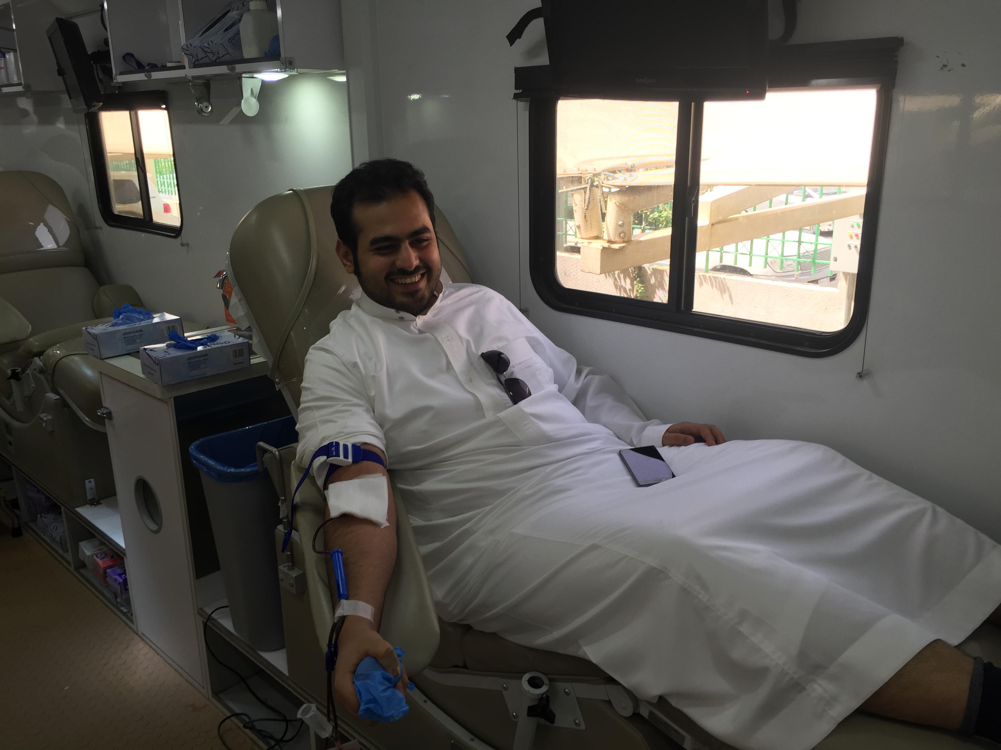 امنح حياة بقطرة من دمك تستقبل جموع المتبرعين في عمل الرياض (3)