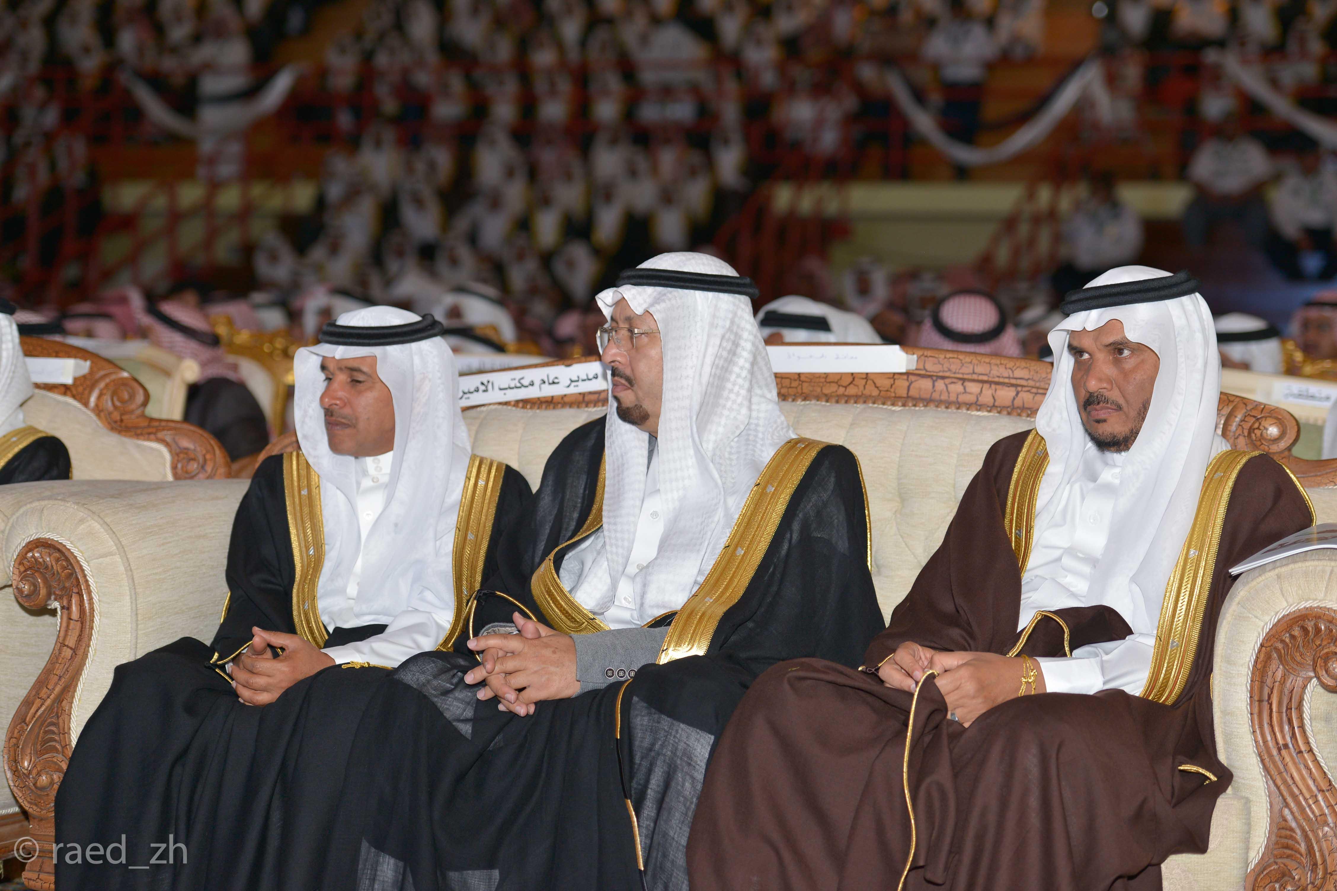 امير الباحة يرعى تخريج الدفعة العاشرة من طلاب وطالبات جامعة الباحة (17)