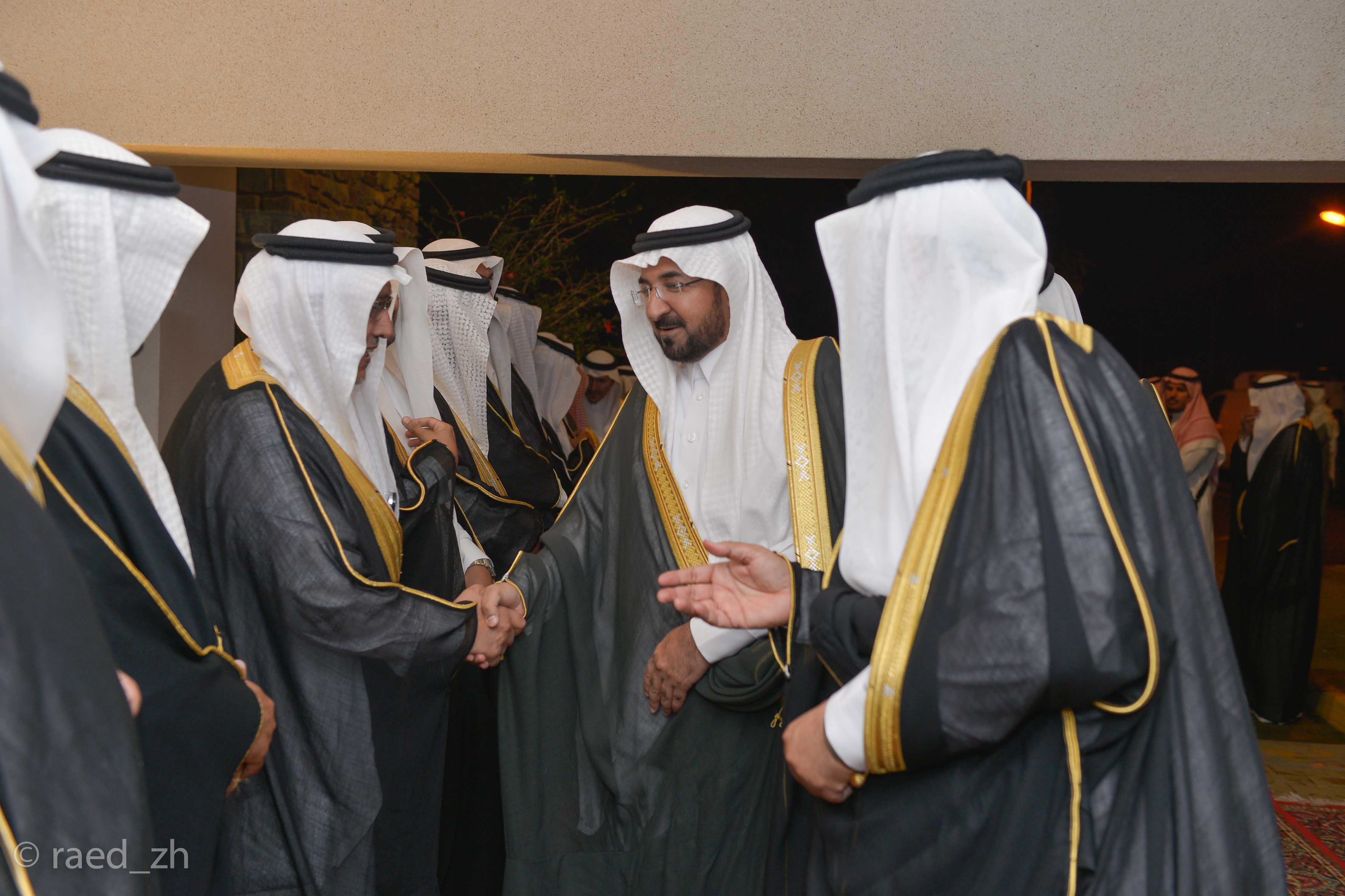 امير الباحة يرعى تخريج الدفعة العاشرة من طلاب وطالبات جامعة الباحة (2)