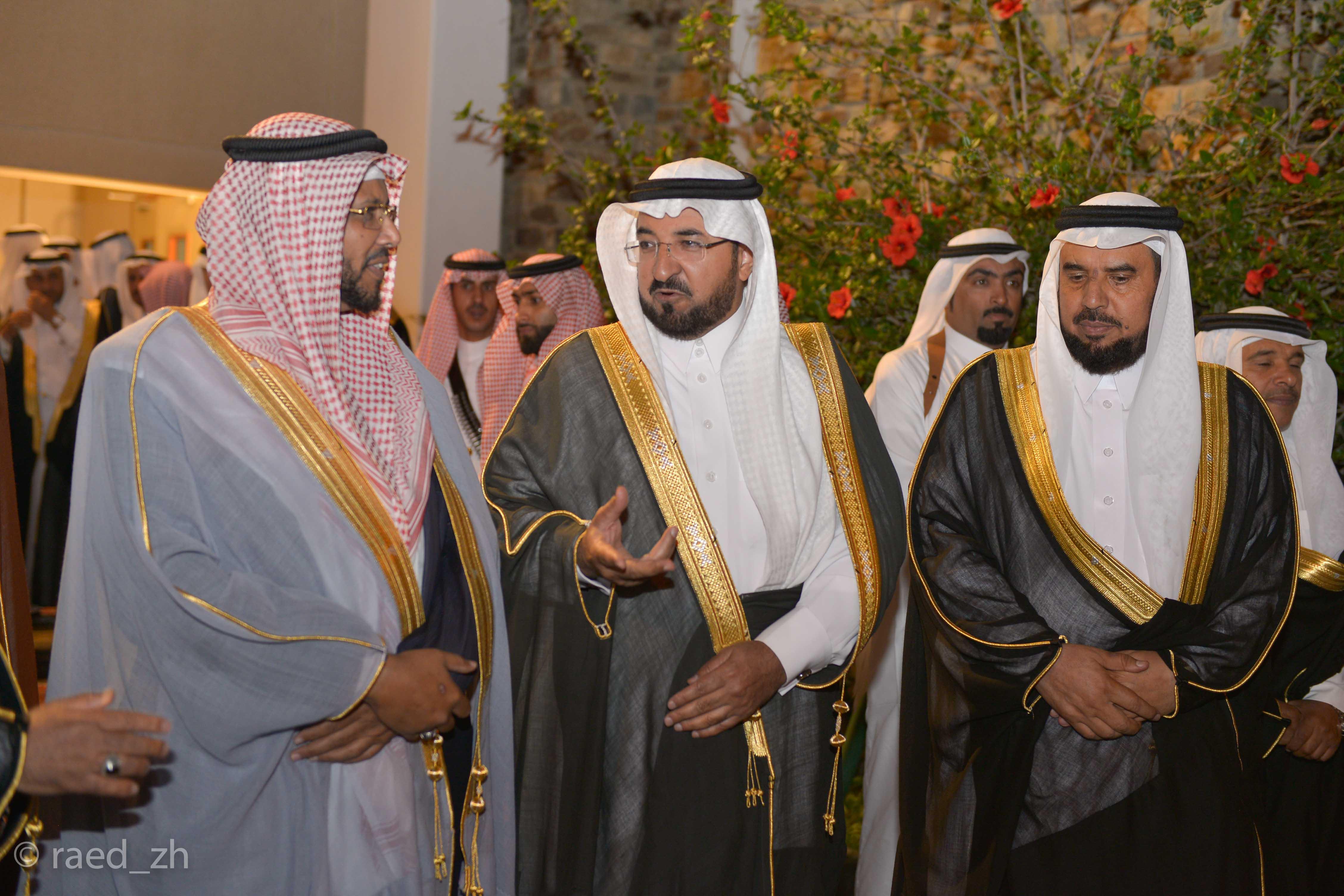 امير الباحة يرعى تخريج الدفعة العاشرة من طلاب وطالبات جامعة الباحة (4)