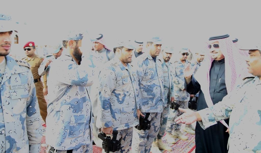 امير-الجوف-يتفقد-مراكز-حرس-الحدود-بقطاع-العيساوية-المحاذية-مع-الاردن (4)