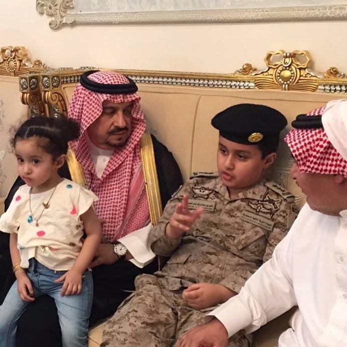 امير الرياض مع ابن الشهيد الملحم