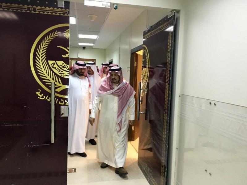 امير-الرياض-يتجول-بامارة-الرياض (3)