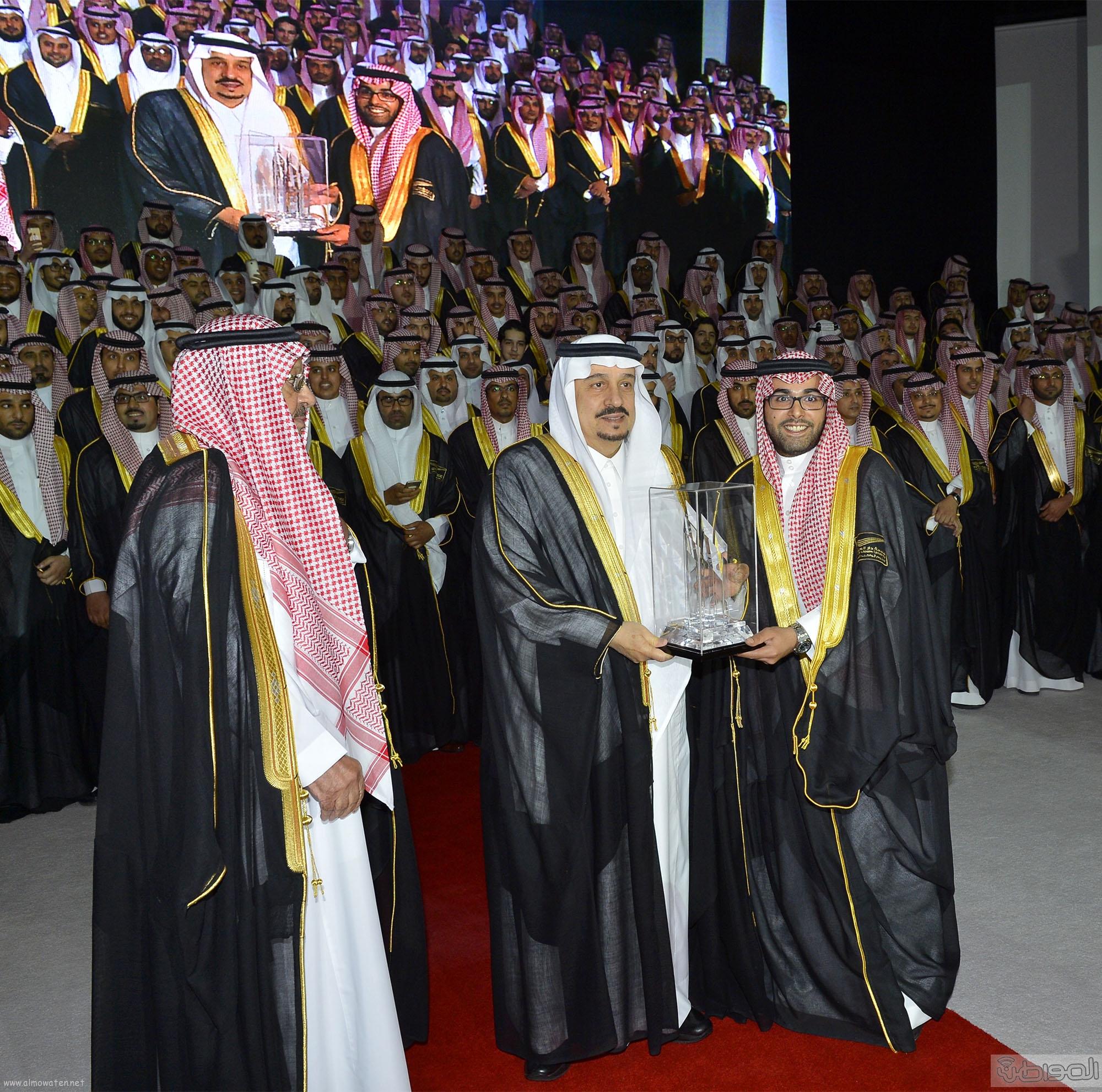 امير الرياض يرعى تخريج طلاب جامعة دار العلوم (11)