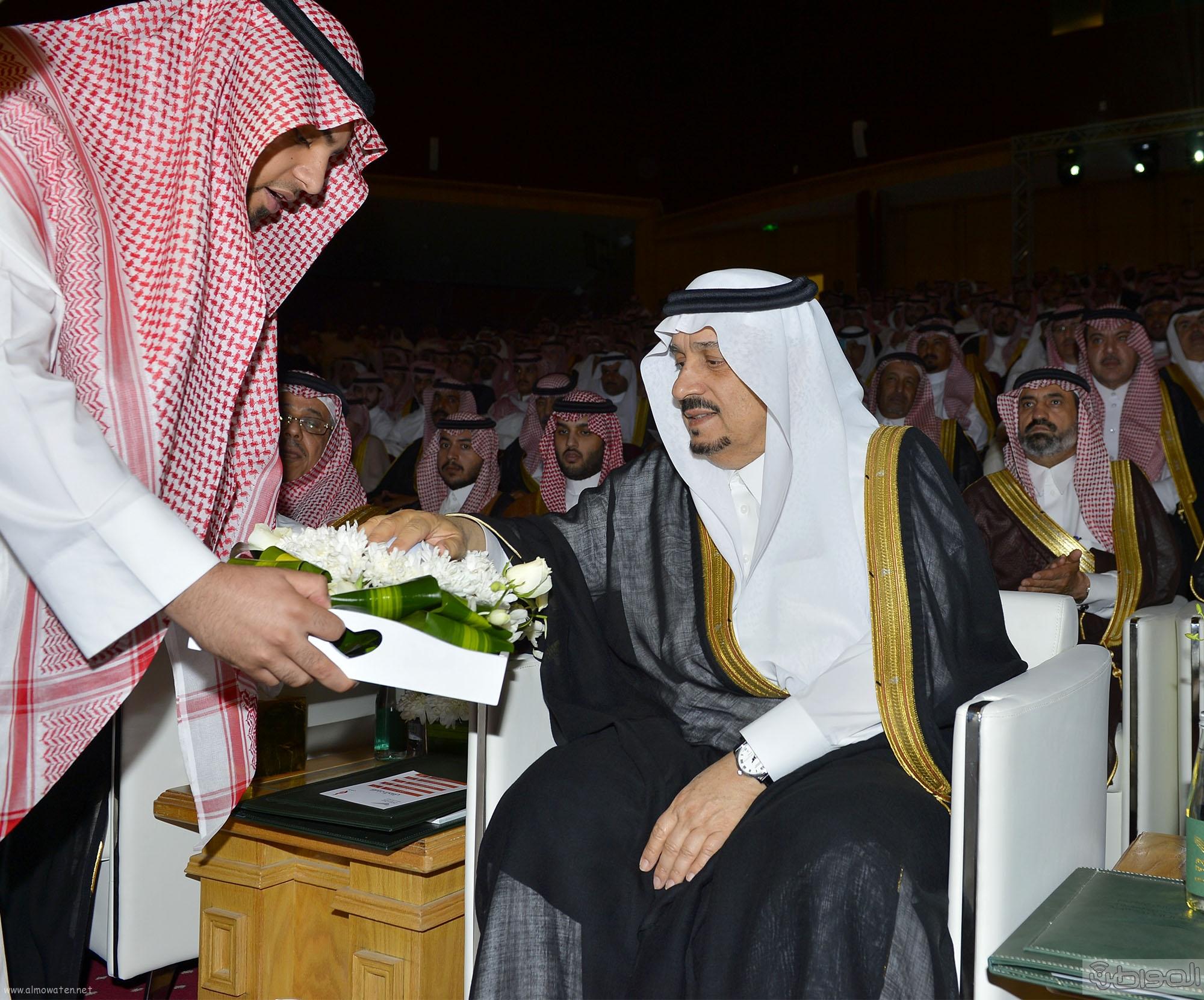 امير الرياض يرعى تخريج طلاب جامعة دار العلوم (8)