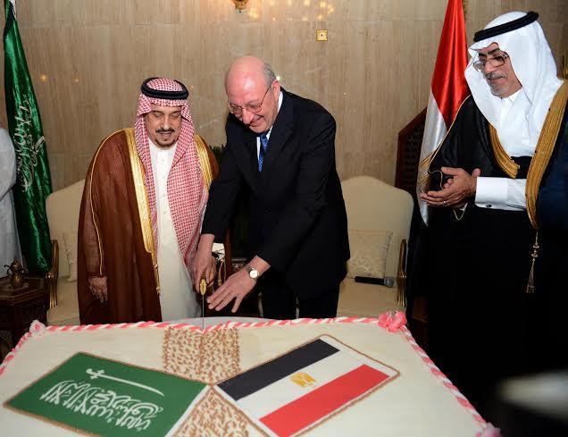 امير الرياض يرعى حفل سفارة مصر 1