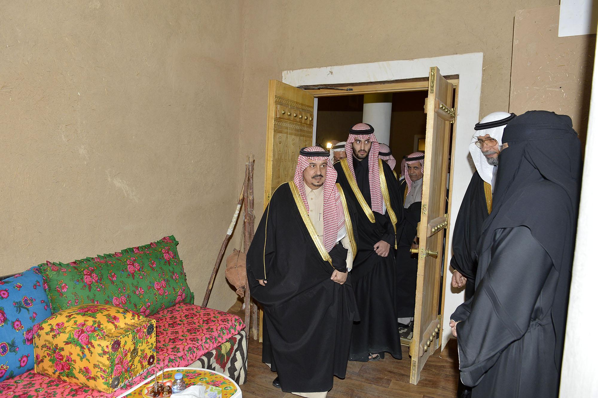 امير الرياض يرعي تراثنا حبنا بقصر المربع (18)