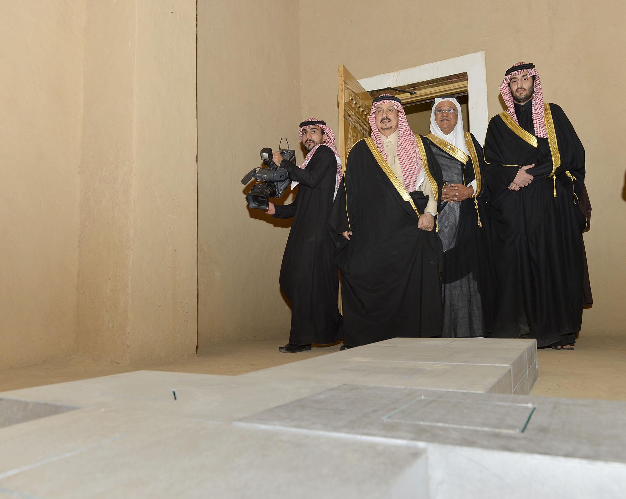 امير الرياض يرعي تراثنا حبنا بقصر المربع (4)