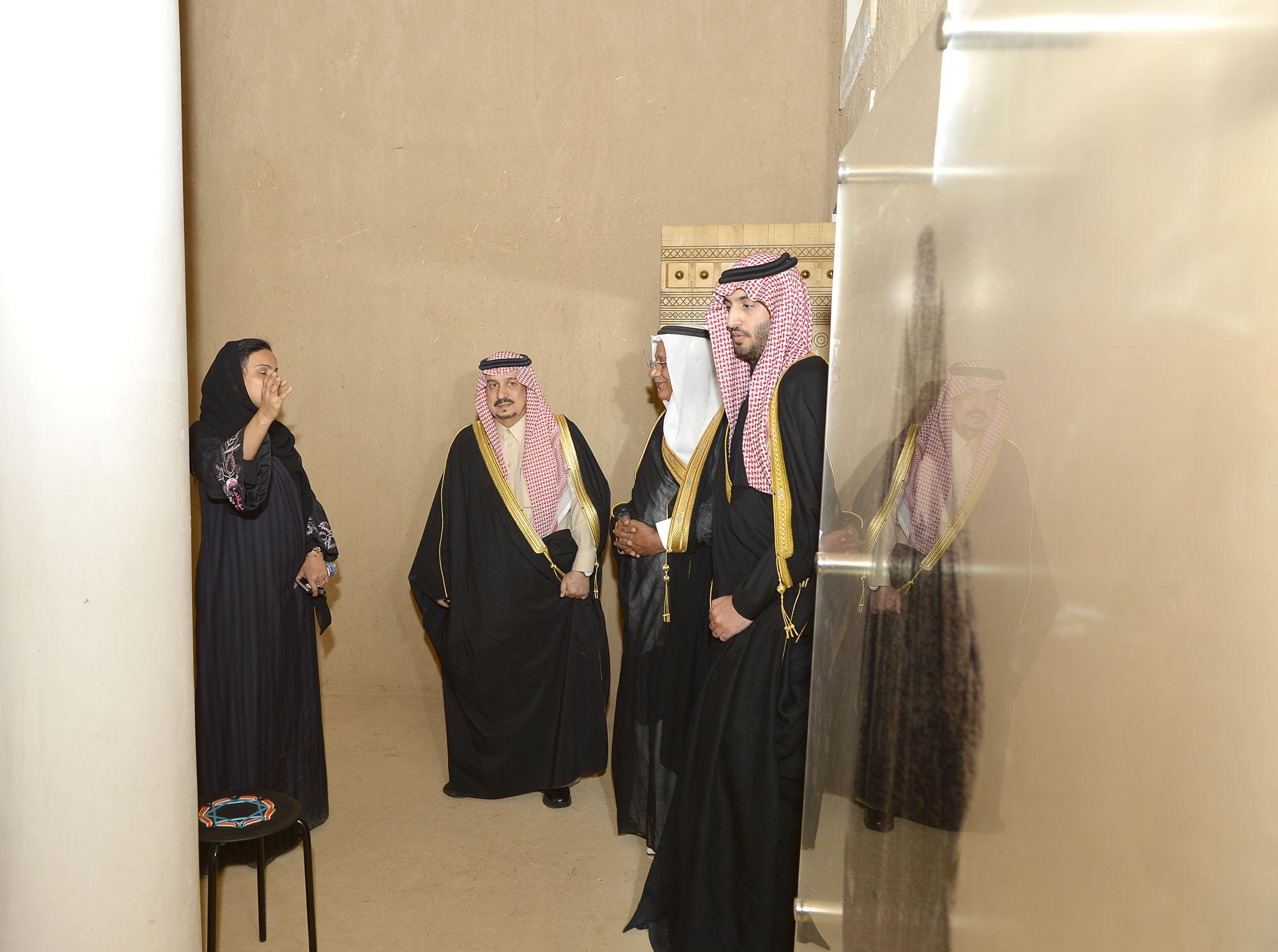 امير الرياض يرعي تراثنا حبنا بقصر المربع (5)