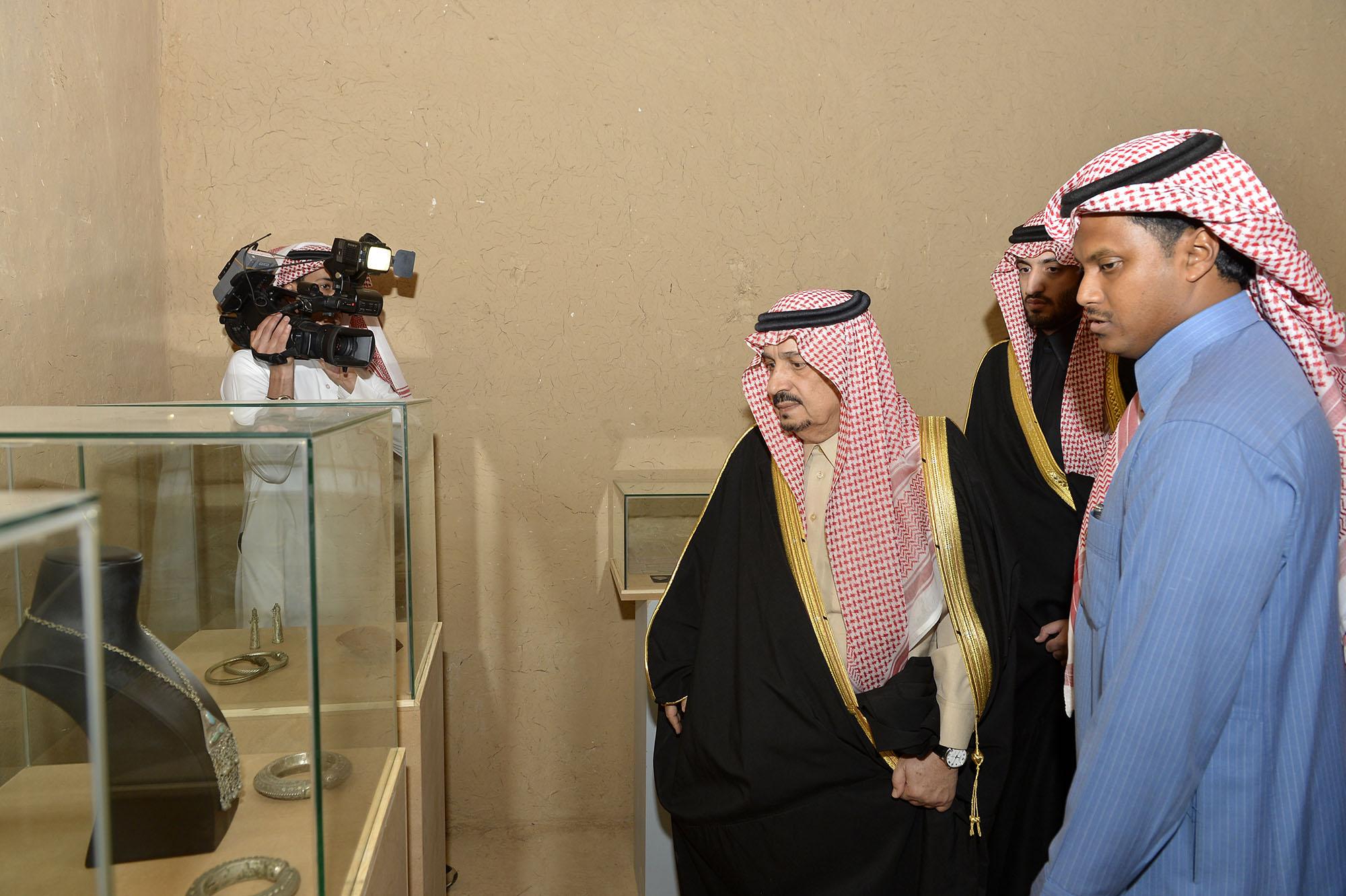 امير الرياض يرعي تراثنا حبنا بقصر المربع (9)