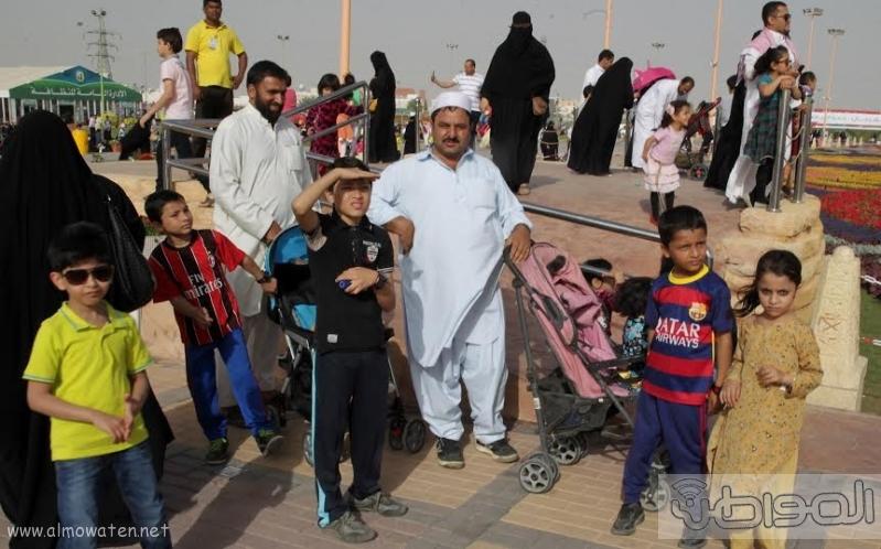 امير الرياض يزور مهرجان ربيع الرياض