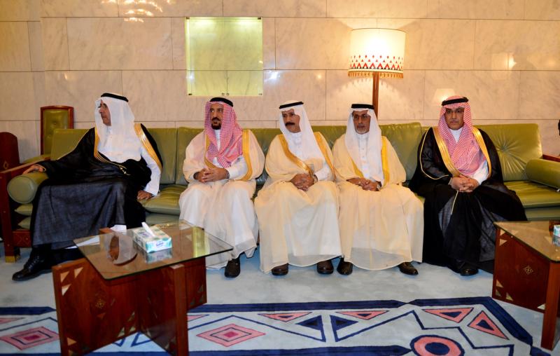امير الرياض يستقبل المهنئين (1) 