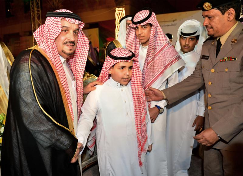 امير الرياض يشارك احتفالات الرياض (338816192) 