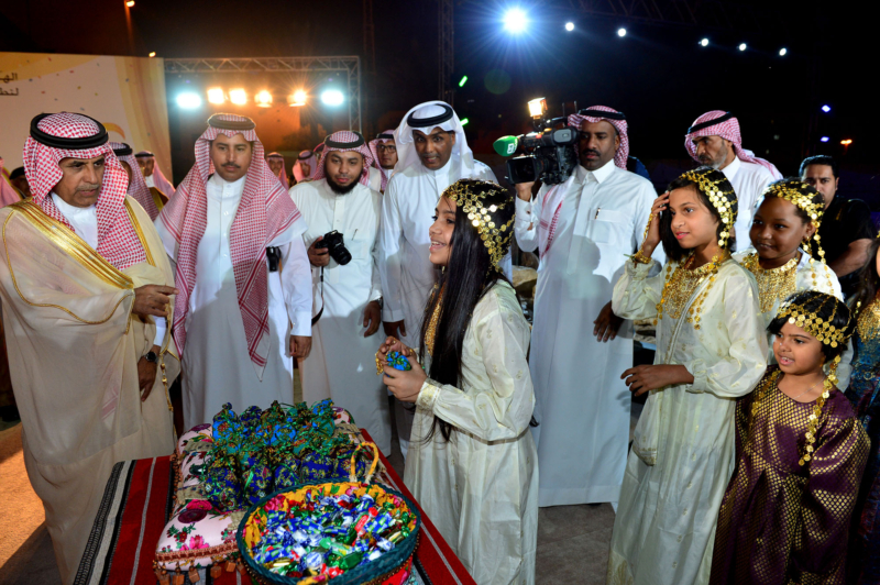 امير الرياض يشارك احتفالات الرياض (338816200) 