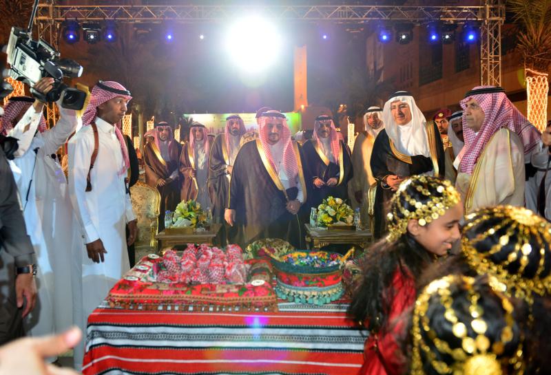 امير الرياض يشارك احتفالات الرياض (338816201) 