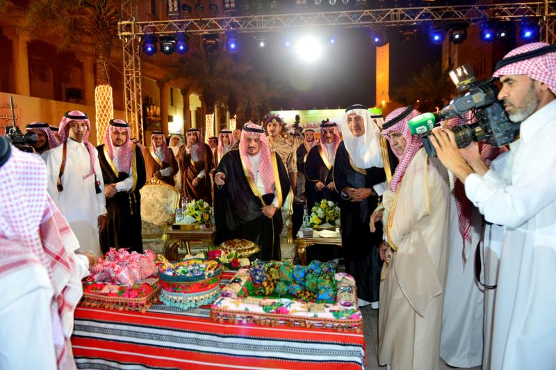 امير الرياض يشارك احتفالات الرياض (338816202) 