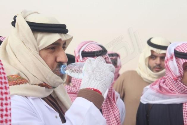 امير الرياض يشارك في تنظيف طعوس (33)
