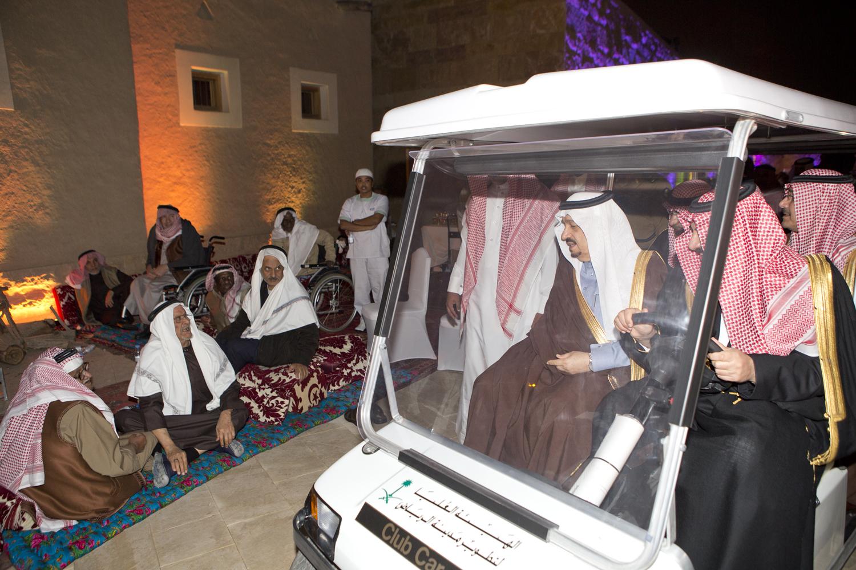 امير-الرياض-ينوه-بجهودجمعية-الزهايمر (14)