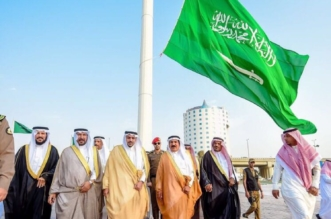 أمير القصيم يشيد بجهود أمين المنطقة لإنجاز ميدان بيرق التوحيد - المواطن
