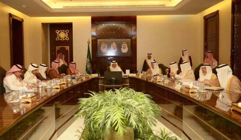 امير مكة يرأس اجتماع مشاريع النقل والتنمية تحظى باهتمام الملك سلمان