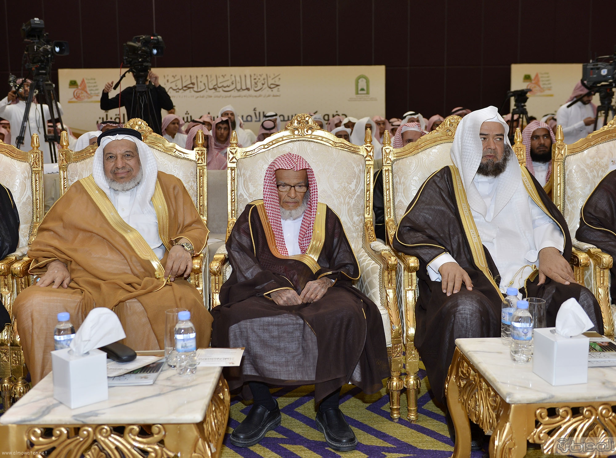 امير منطقة الرياض يرعى حفل اختتام مسابقة جائزة الملك سلمان لحفظ القران الكريم (5)