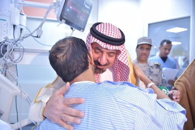 امير نجران يزور المصابين10