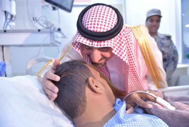 امير نجران يزور المصابين12