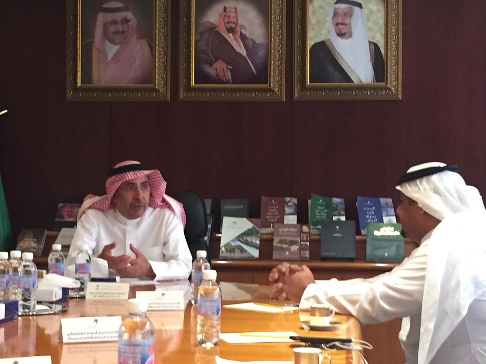 امين مدينة الرياض يستقبل مدير عام فرع وزارة العمل بمنطقة الرياض للتباحث حول الاعمال المشتركة  (4)