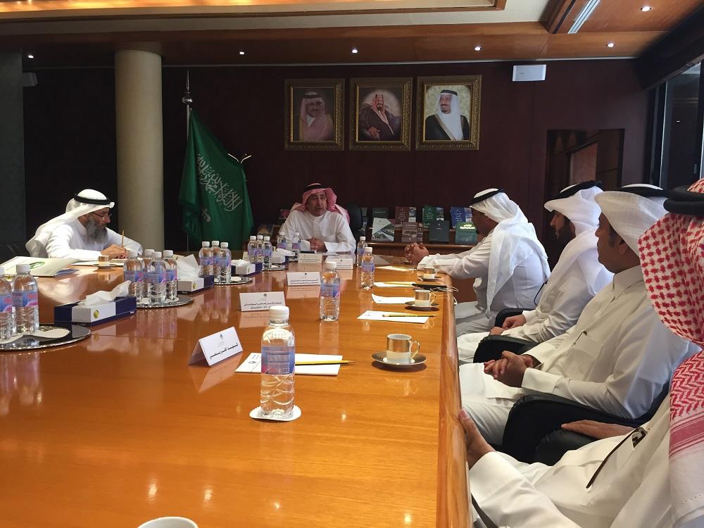 امين مدينة الرياض يستقبل مدير عام فرع وزارة العمل بمنطقة الرياض للتباحث حول الاعمال المشتركة  (5)