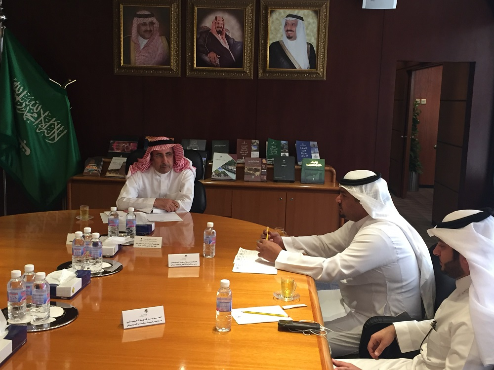 امين مدينة الرياض يستقبل مدير عام فرع وزارة العمل بمنطقة الرياض للتباحث حول الاعمال المشتركة  (6)