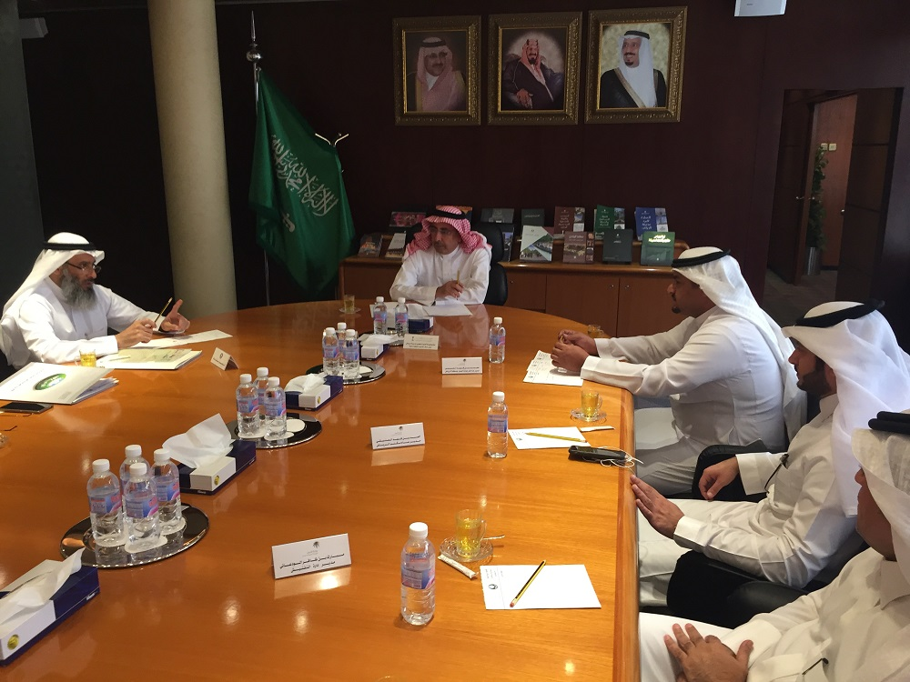 امين مدينة الرياض يستقبل مدير عام فرع وزارة العمل بمنطقة الرياض للتباحث حول الاعمال المشتركة  (7)