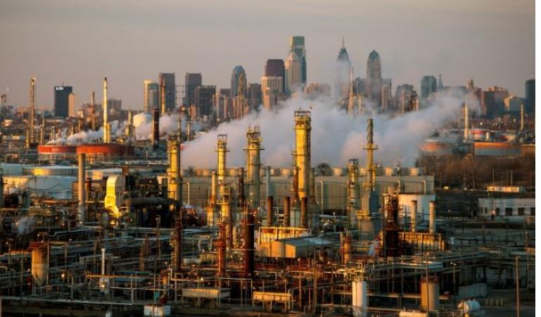 إيران تأخذ المنطقة إلى المجهول .. أسعار النفط تقفز 5% بعد إسقاط الدرون الأمريكية