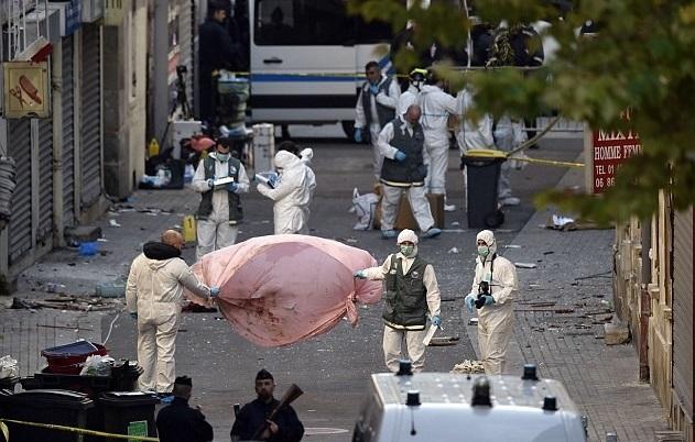 انتحارية سان دوني لحظة تفجير نفسها